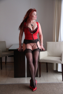 Lady in Red/Fotoshooting.Dessous, Nylons, High Heels